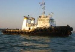 Idaten, a Japanese tug, was attacked by pirates while towing the construction barge Kuroshio